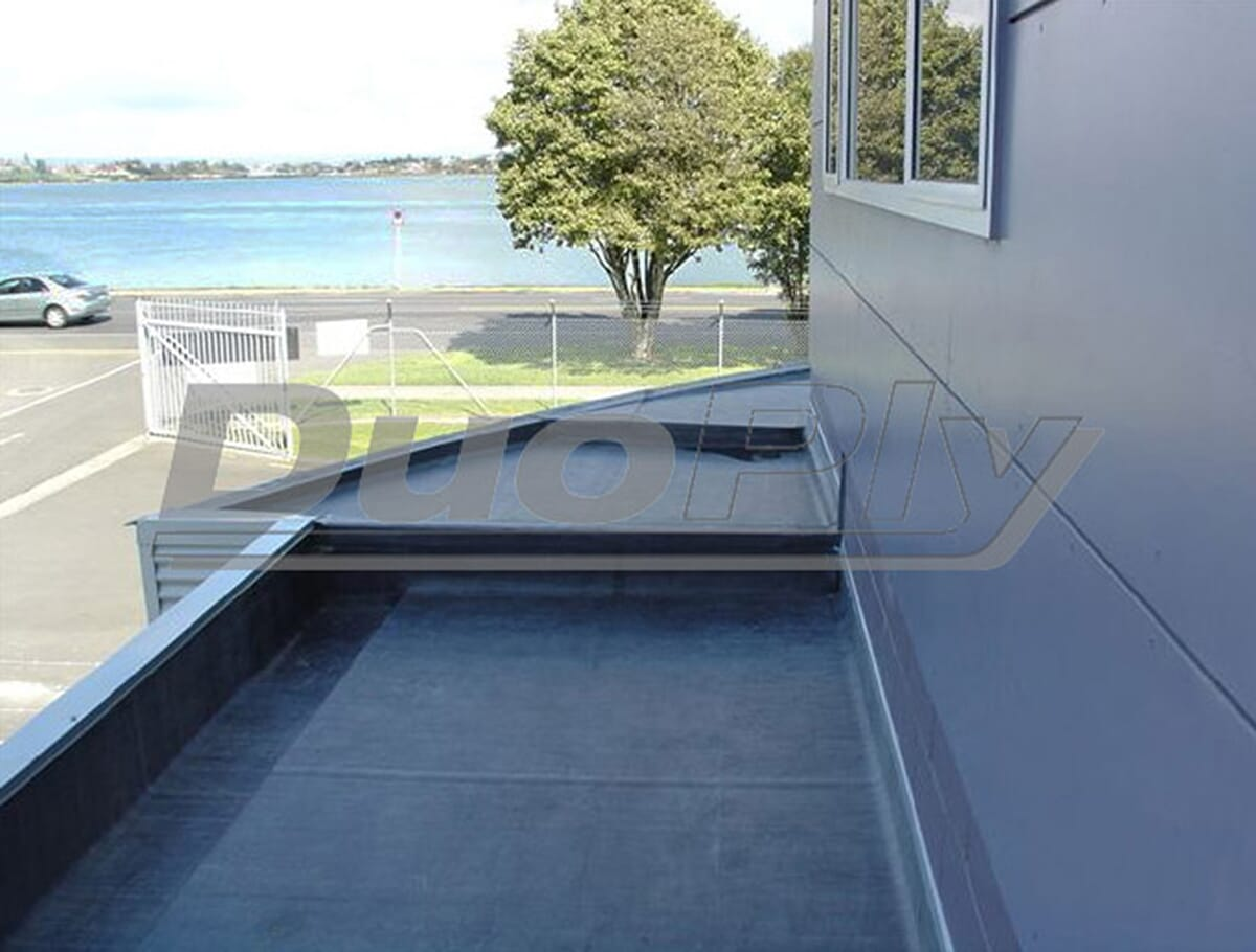 Large roof with the Duoply EPDM rubber roofing membrane